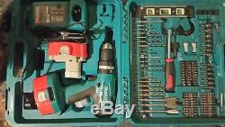 Makita 18v cordless Hammer Drill Set, 2 Batteries. Ex Cond