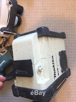 Makita 18v planer Jigsaw Impact Driver 2 Batterys Radio Dab Hammer Drill Ruter