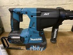 Makita HR002g Bluetooth 40v XGT Li-Ion Brushless SDS 28mm rotary Hammer Drill
